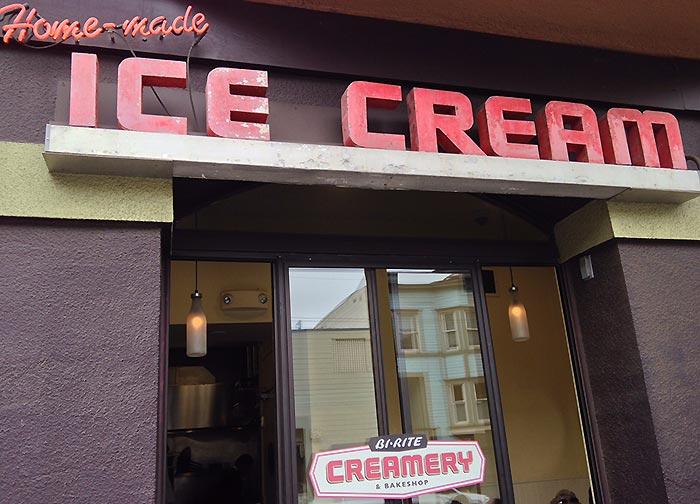 Ohne die lange Schlange relativ unscheinbar: Die Bi-Rite Creamery.